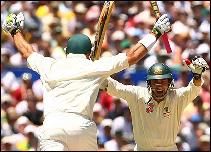 Matthew Hayden and Justin Langer celebrate victory