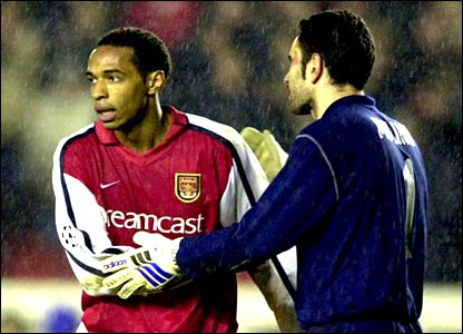 Thierry Henry shakes hands with Deportivo La Coruna goalkeeper Francisco Molina after losing 2-0