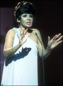 Shirley Bassey performing on Top of the Pops in 1978