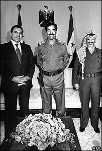Hosni Mubarak (left), Saddam Hussein and Yasser Arafat in 1988