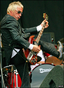 Paul Weller performs at Glastonbury