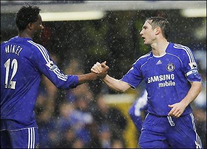 Jon Obi Mikel congratulates Lampard on his second goal