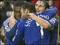 Frank Lampard celebrates with his Chelsea team-mates