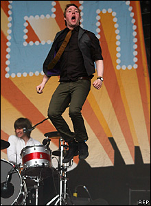 Ricky Wilson of Kaiser Chiefs performs at Glastonbury