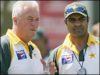 Waqar Younis (right) with Pakistan coach Bob Woolmer