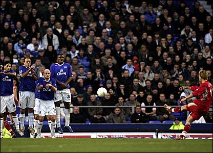 Morten Gamst Pedersen scores Blackburn's second goal at Goodison Park