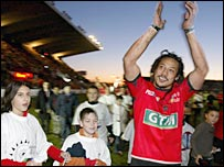 Tana Umaga bids farewell to the Toulon fans