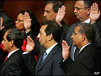 Nuevos ministros venezolanos prestan juramento.