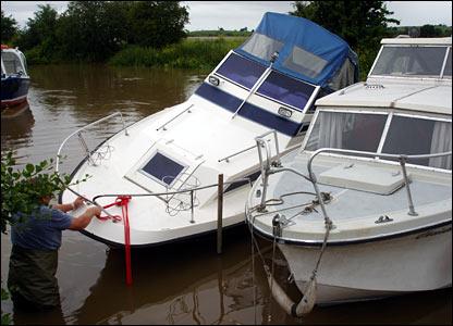 Stranded boats. Copyright Eddie Fulcher