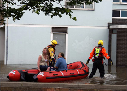 Evacuation of flats. Copyright: Jaki Fisher