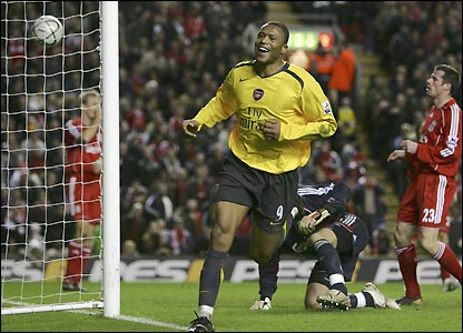 Julio Baptista scores his fourth goal