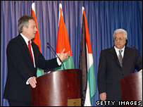 Former UK Prime Minister Tony Blair and Palestinian Authority President Mahmoud Abbas in Ramallah, 18 Dec 2006