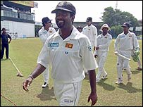 Muralitharan leaves the field at the end of the match