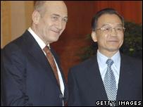 Israeli Prime Minister Ehud Olmert (l) meets Chinese Premier Wen Jiabao