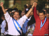 Nicaragua's President Daniel Ortega (l) and his Venezuelan counterpart Hugo Chavez 