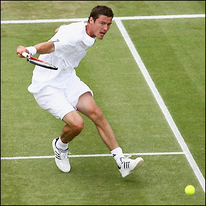 Former quarter-finalist Marat Safin makes round three