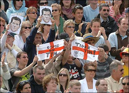 Crowds enjoy the action on Centre Court
