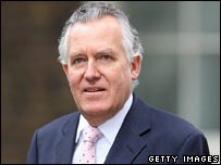 Peter Hain arriving for the Cabinet meeting