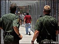 Guardias fronterizos en El Paso, Texas, EE.UU.