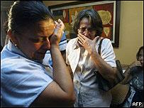 Familiares de los diputados secuestrados.