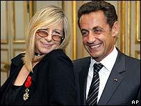 Barbra Streisand with President Sarkozy