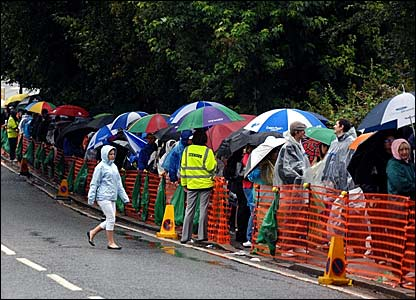 Fans queueing outside Wimbledon