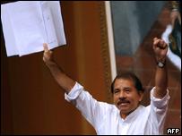 El presidente de Nicaragua Daniel Ortega celebra la firma del ALBA