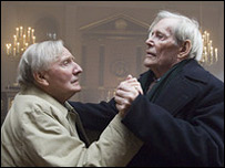 Leslie Phillips (l) and Peter O'Toole in Venus