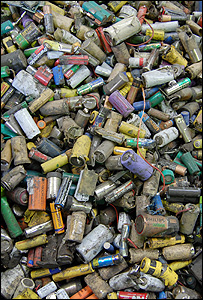 Batteries and capacitors (Image: BBC)