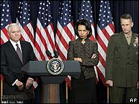 Defence Secretary Robert Gates (l), Condoleezza Rice and Chairman of the Joint Chiefs of Staff Gen Peter Pace
