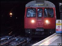 District Line train (generic)