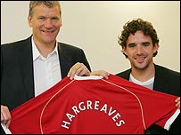 Man Utd chief executive David Gill and Owen Hargreaves