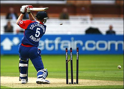 Paul Collingwood is bowled by Fidel Edwards