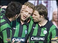 Jiri Jarosik celebrates his winner with Steven Pressley