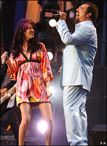 Joss Stone and Sir Tom Jones at the memorial concert for Diana in London