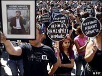 "Protesters in Istanbul with slogans ""We are all Hrant Dink. We are all Armenians"""