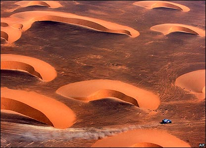 An unidentified competitor on the eighth stage of the Dakar Rally in Mauritania