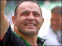 Raphael Ibanez celebrates Wasps' Heineken Cup win