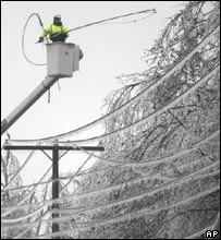 Clearing power lines in Missouri