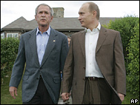 President George W Bush (left) and Vladimir Putin