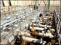 Pipeline pumping tubes in Basra