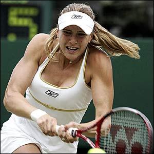 Nicole Vaidisova returns