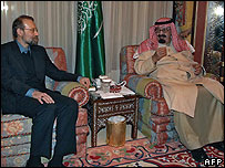Saudi King Abdullah (R) meets with Iran' top national security official Ali Larijani in Riyadh
