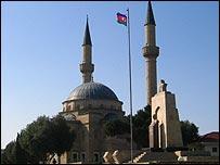 Мечеть у Аллеи мучеников в Баку