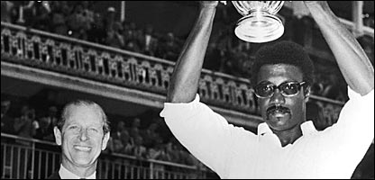 Clive Lloyd hands the World Cup aloft