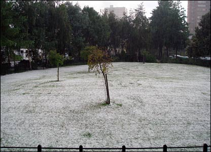 Hailstorm in Battersea. Copyright Olivia Young