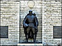 Памятник советскому Воину-освободителю в Эстонии