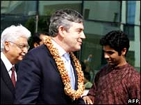 Wipro chairman Azim Premji (left) and Gordon Brown at Wipro HQ in Bangalore