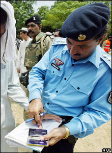 Student being fingerprinted