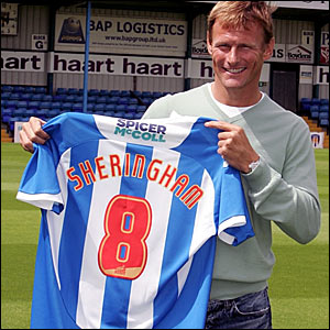 Teddy Sheringham is unveiled as a Colchester player